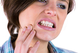 Почему болит зуб и что с этим делать